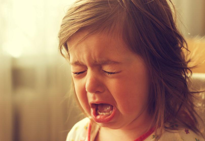 صورة طفلة تبكي , صور اطفال تبكي