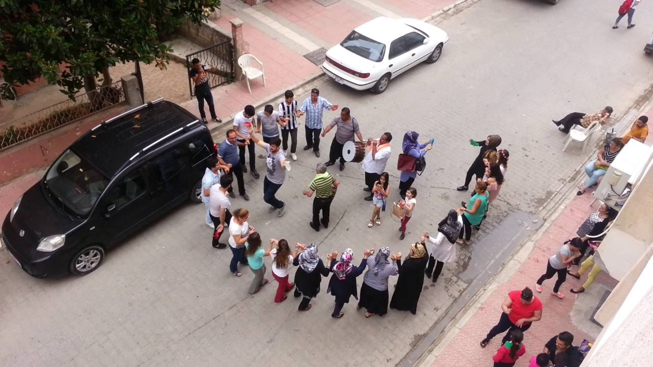 بالصور دبكه تركيه , صور جميله لرقصه الدبكه التركيه 6551 3