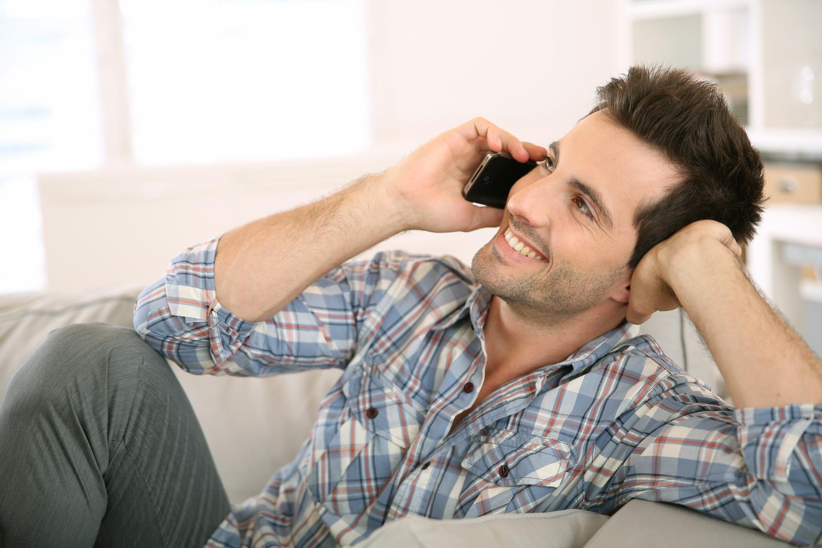 صورة كيف تجعل الفتاة تحبك عبر الهاتف , اهم الطرق التي تقنع البنت علي حبك من خلال التليفون