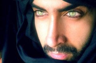 صورة اجمل عيون رجال , لصقات ملونه غاية في الجمال