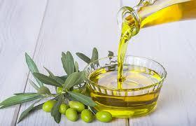 بالصور زيت الزيتون للشعر , فوائد زيت الزيتون 1357 1
