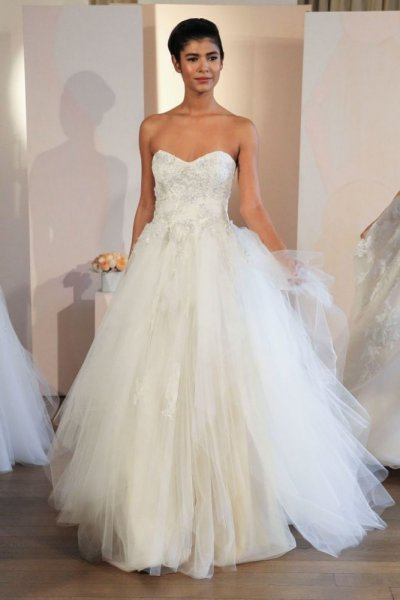 بالصور احدث فساتين الزفاف , اروع تشكيله فساتين الزفاف 2586 4