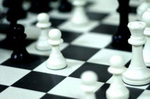 صورة كيف تلعب الشطرنج , قواعد لعبة الشطرنج وطريقة لعبها