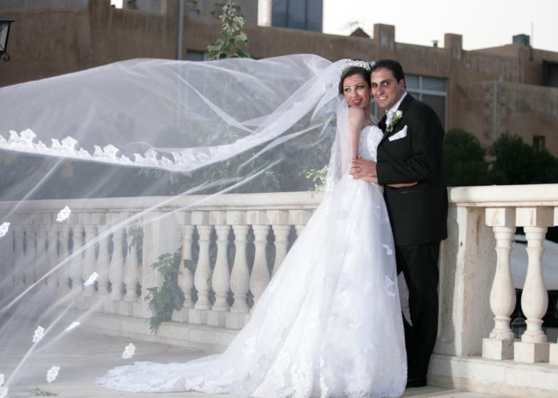 صور اجمل الصور للعروسين , صور زفاف بشكل مختلف