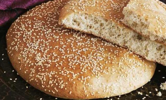 صوره الخبز المغربي , طريقة بسيطة بخطوتين لعمل خبز المغرب