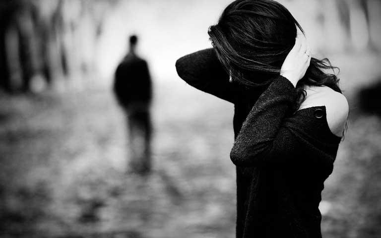 بالصور صور رومانسيه حزينه , الحزن من القلب اصعب من اي الم 161 7