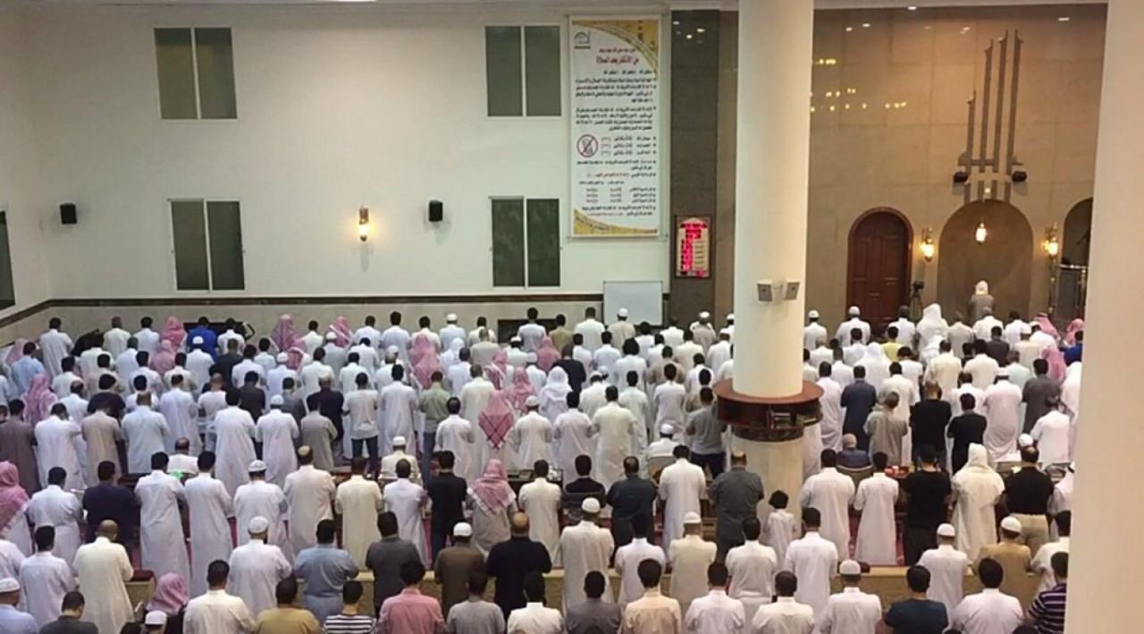 بالصور صلاة التهجد في رمضان , ما اجمل الصلاه في رمضان 5108 1